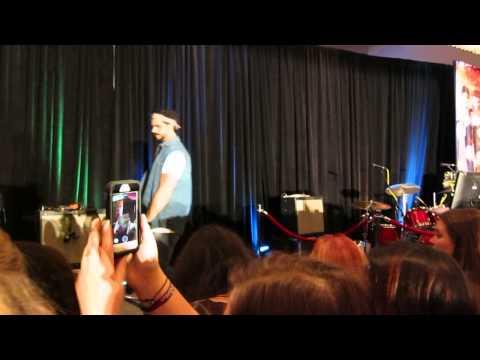 TVD Dallas Con - 8/14/15 - Karaoke: Nothin' But A Good Time