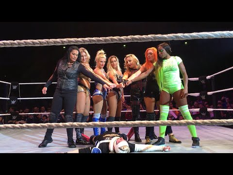 The SmackDown LIVE Women's division channels The Shield at the expense of James Ellsworth