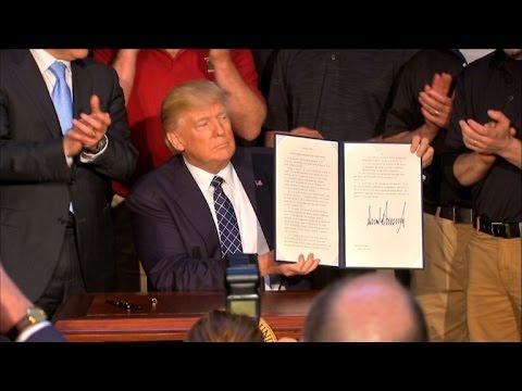 """Trump signe un décret pour mettre fin au """"Clean Power Plan"""""""