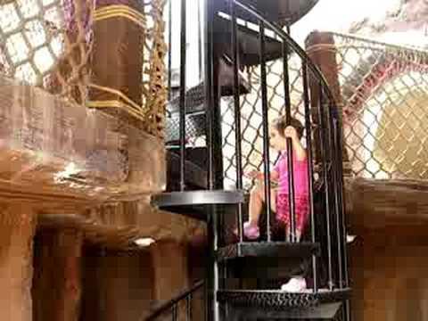 Maggie i stepenice na drvo