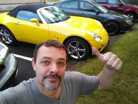 Pontiac Solstice Review. Walkaround, Up on the Lift and Test Drive!