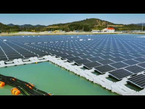 Floating Mega Solar Power Plants - planta solar flotante
