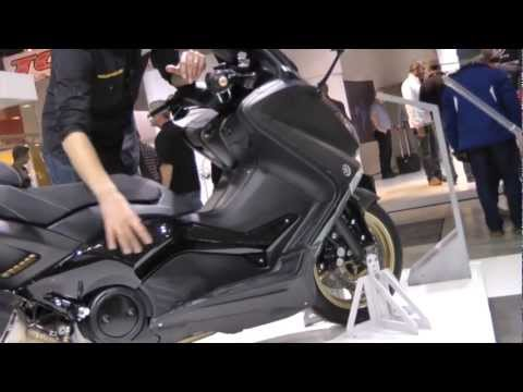en direct d 39 eicma yamaha tmax 530 abs sp black max 2013 youtube. Black Bedroom Furniture Sets. Home Design Ideas