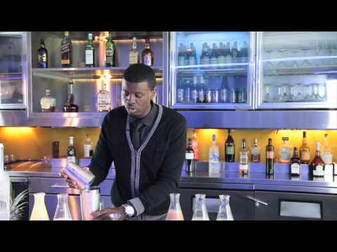 How To Make A Pineapple Martini With Sky Vodka : Mixology Tips