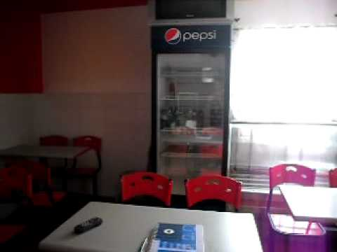 Equipo completo para local de comidas rapidas doovi for Sillas para local de comidas rapidas