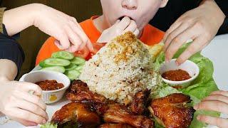 Abis dalam 5 menit! Bagi nasi tutug oncom sama teman Korea! #1