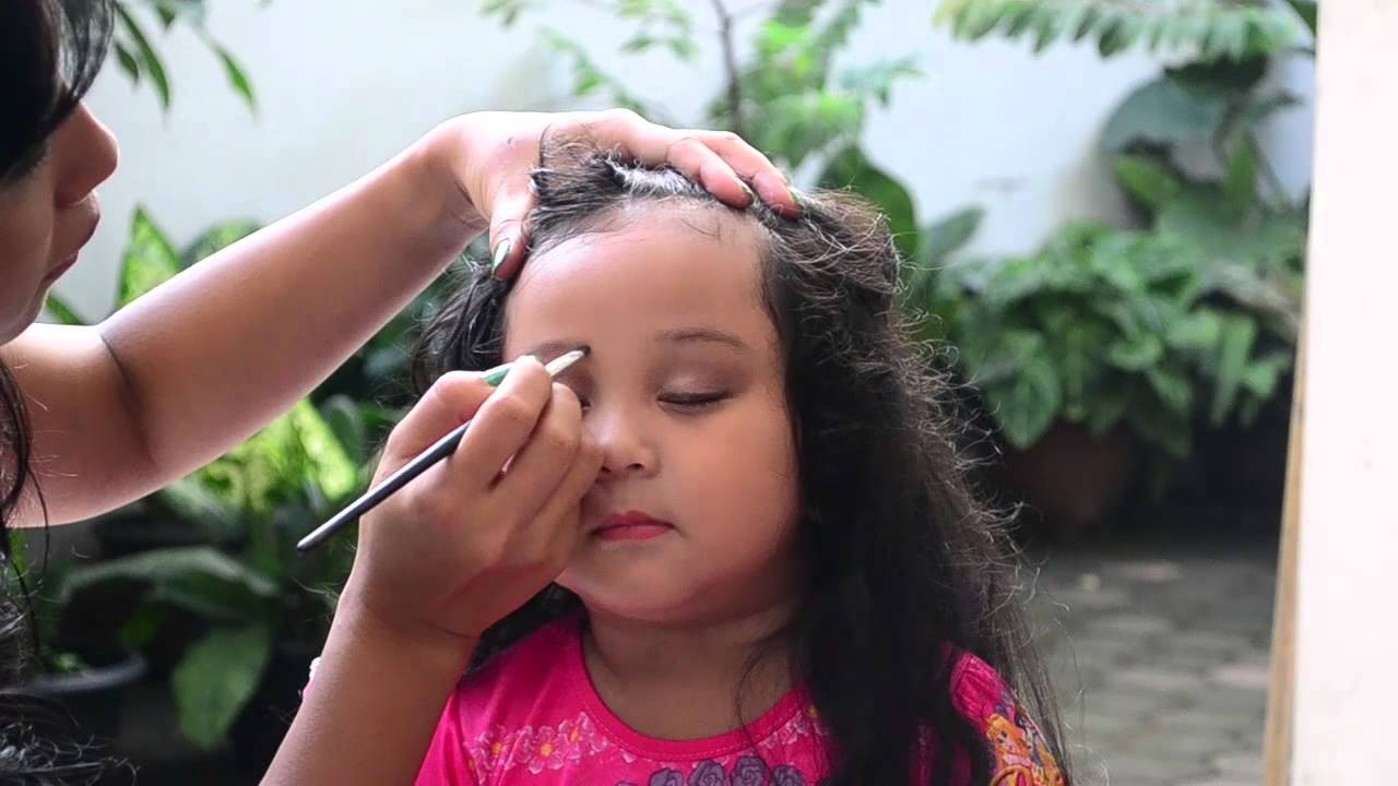 Easy Make Up For Little Girl Cara Mudah Make Up Si Kecil YouTube