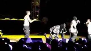 T-Pain Surprise Special Guest Chris Brown...Kiss Kiss (Live)