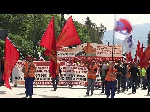 1 maggio di protesta in Grecia: scipero generale contro il bailout