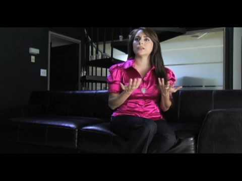 Karyme Lozano Youtube