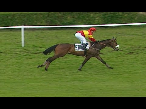 Kauto Star's first win in France [RARE FOOTAGE]