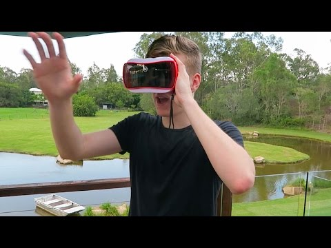Trying Virtual Reality for the First Time (Viewmaster)