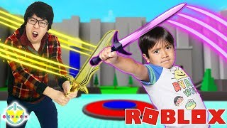 Epic Battle on Critical Strike on Roblox. Ryan and Daddy on sword fight!