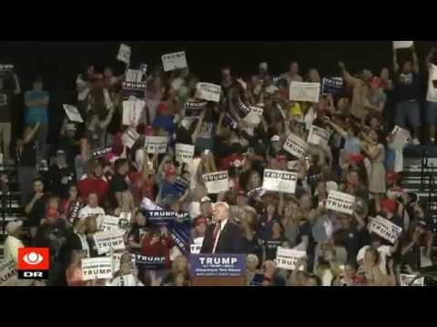 Demonstranter under Trump-vælgermøde: Du er facist! - DR Nyheder