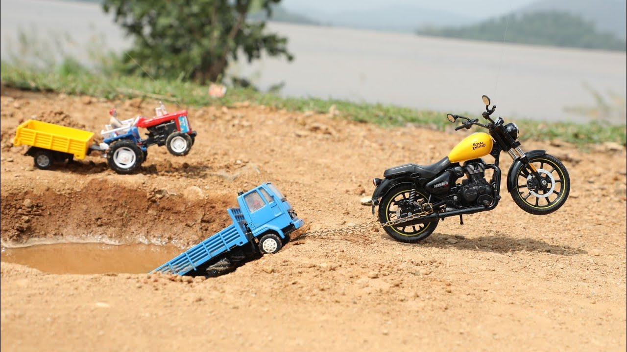 Cargo Truck Stuck in Pit pulling Out HMT Tractor   Dump Truck   RoyaL Enfield 350   CS Toy