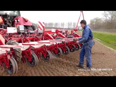 Drilling Sugar beet w/ In-row fertilizing in one pass | Kverneland Monopill e-drive | LB Breure