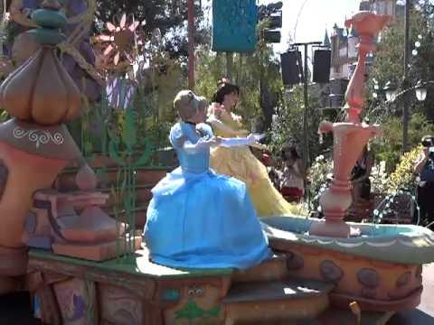 Mickeys soundsational parade at disneyland - YouTube