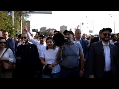 Thousands march to mark 100 days of PM Pashinyan in office