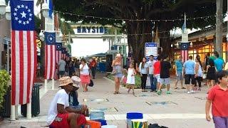 7月4日はアメリカの独立記念日☆ 前夜祭の7月3日にマイアミのダウンタウ...