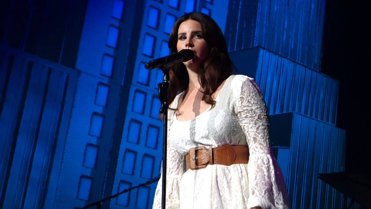 Lana Del Rey World Tour : lana del rey live cruel world endless summer tour xfinity center youtube ~ Russianpoet.info Haus und Dekorationen