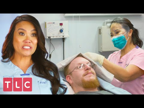 Exploding Cyst Hits Dr. Lee! 🤢 | Dr. Pimple Popper