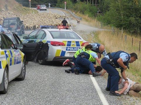 خطة حكومية لجمع الأسلحة في نيوزيلندا بعد هجوم المسجدين
