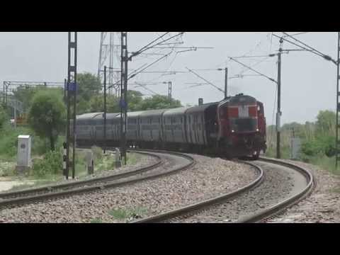 IRFCA - 22451 Bandra - Chandigarh Express with LDH Alco !!