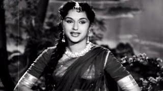 Aayi Jhoomti Bahaar - Lata Mangeshkar, Talat Mehmood, Insaniyat Song