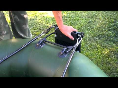 как вешать мотор на лодку