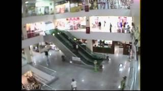 Toddler falls off escalator in Turkey