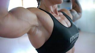 Repeat youtube video Female Bodybuilderin Birgit Andersch im Portrait (Deutsche Meisterin Kategorie Physique)