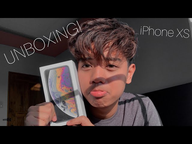NEW PHONE! iPhone XS Unboxing