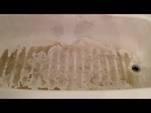 How To Clean Bathtub Stains, Easy Bathroom Cleaning With Bar Keepers Friend.