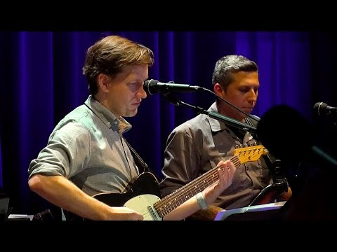 Country Pie (Bob Dylan) - Chris Thile - Live from Here