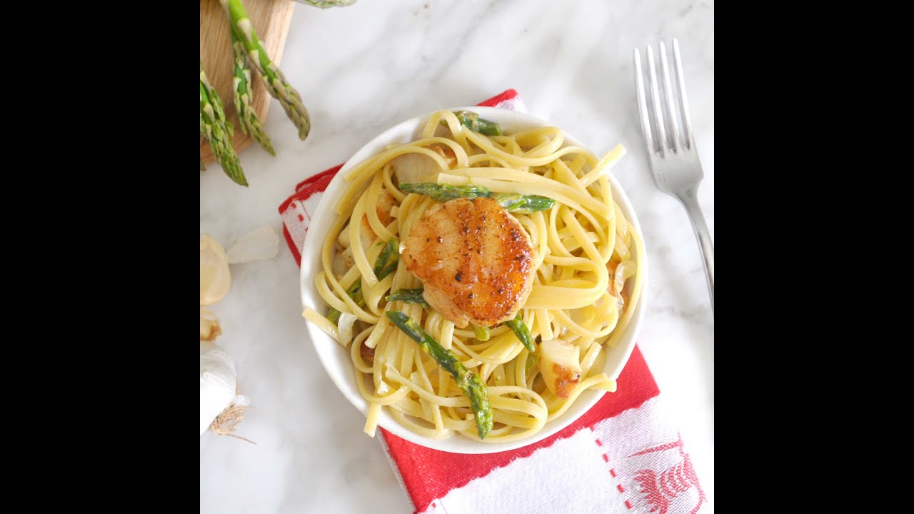 Linguine Pasta With Sea Scallops And Asparagus Creamy Sauce By