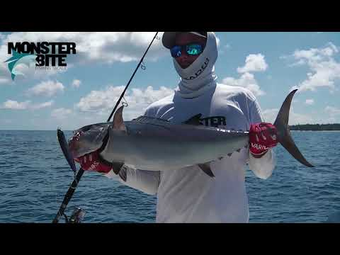 SEYCHELLES FISHING 2017 - CRAZY JIGGING & POPPING by MONSTER