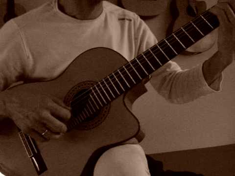 www.guitarmatze.com has fun with his new Flamenco Guitar, Akustik Gitarre