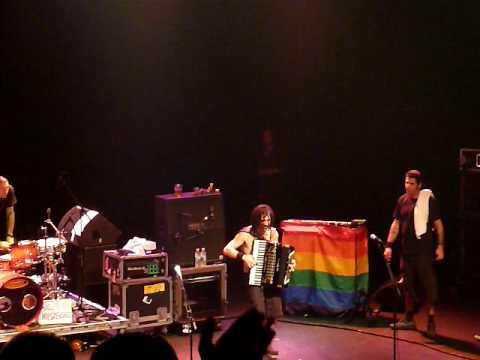 NOFX - Eric Melvin (Live)