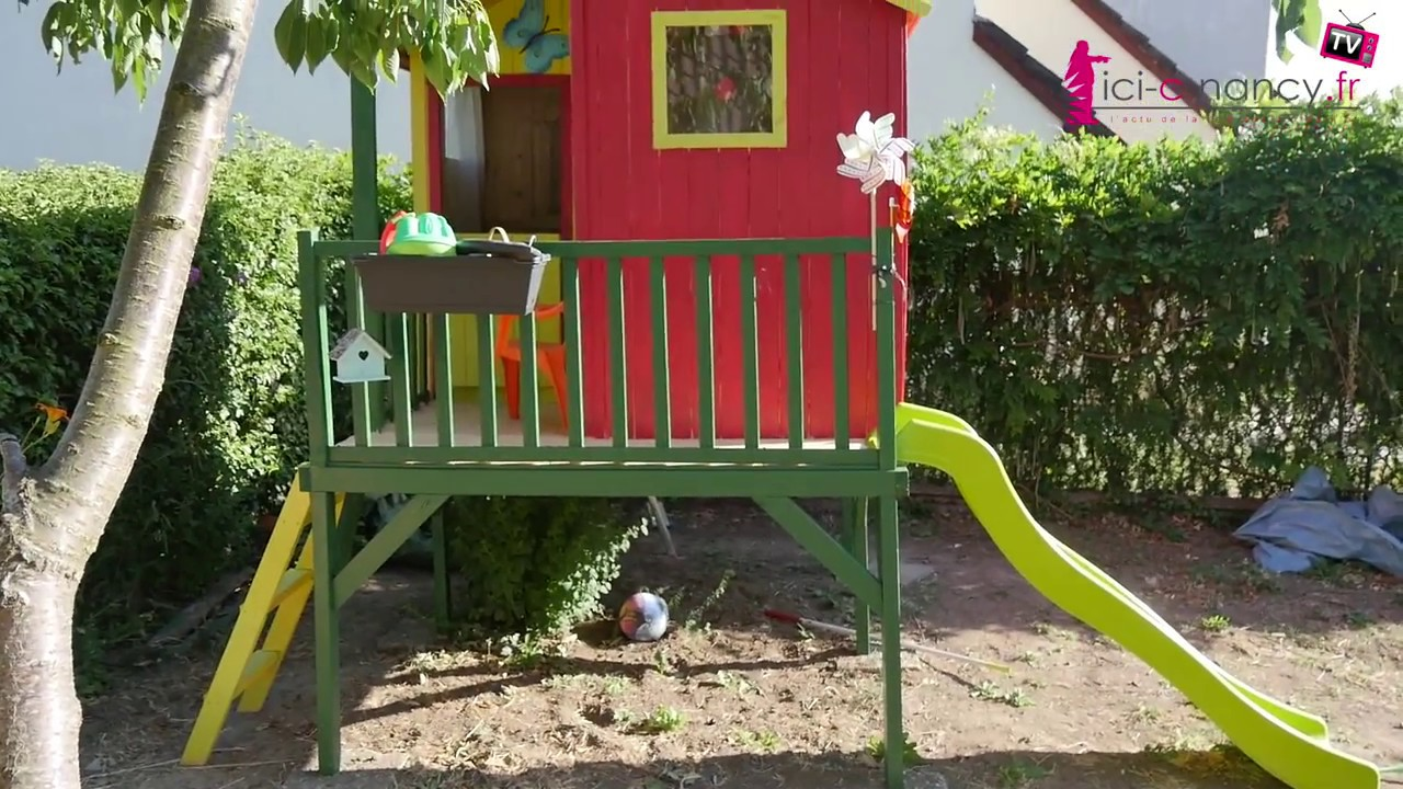 Montage cabane de jardin pour enfants peinte et am nag e for Cabanes de jardin pour enfants