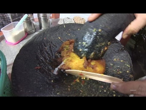 Jakarta Street Food 1121 Part.1 Jogya Crushed Chicken Breast Rice AyamGeprekYogya 2015 BRTiVi6001