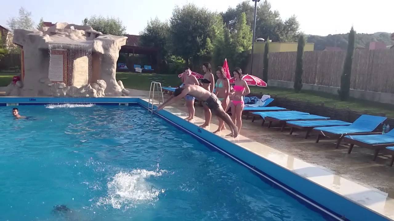 Piscina aquanord party people pool youtube for Aqua pool piscinas
