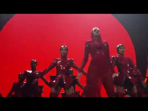 Katy Perry -  Dark Horse: Witness: The Tour Opening Night in Montreal (09/19/2017)