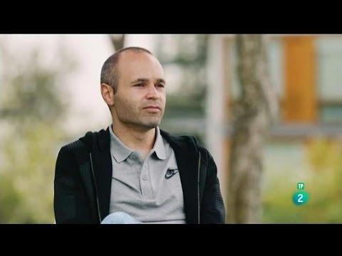 Entrevista con Andrés Iniesta para explicar sus jugadas en el campo