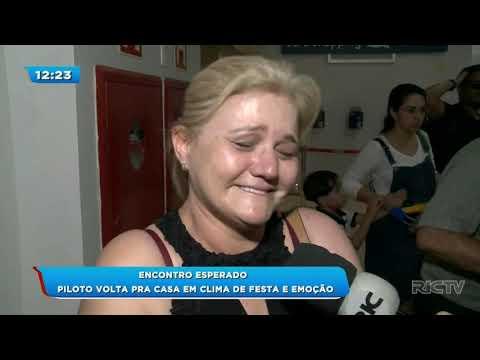 Chegada de piloto desaparecido em acidente aéreo emociona Londrina
