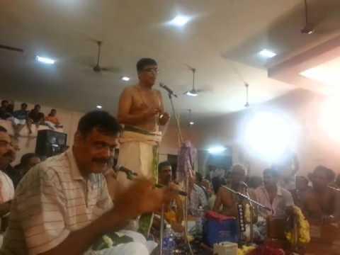 004 Gopika Ramana - Kalpathy Bhajanotsavam 2013 - Sri Kalyanaram Bhagavathar