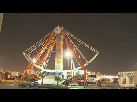 Giant Ferris Wheel assemble/disassemble