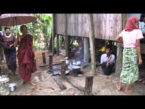 Burma's Kaman Muslims Cite Religious Conflict in Rakhine State