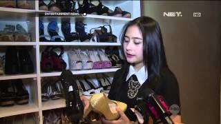 Mengintip Koleksi Tas dan Sepatu Prilly Latuconsina