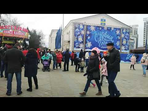 Анапа сейчас: Театральная площадь 2 января в 14:30. Интерактивный концерт для детей. Краткий анонс.