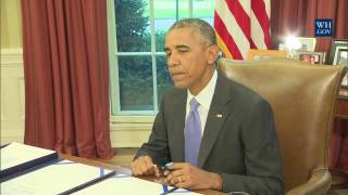 Obama Signs Puerto Rico Debt Crisis Act And Freedom Of Information Reform
